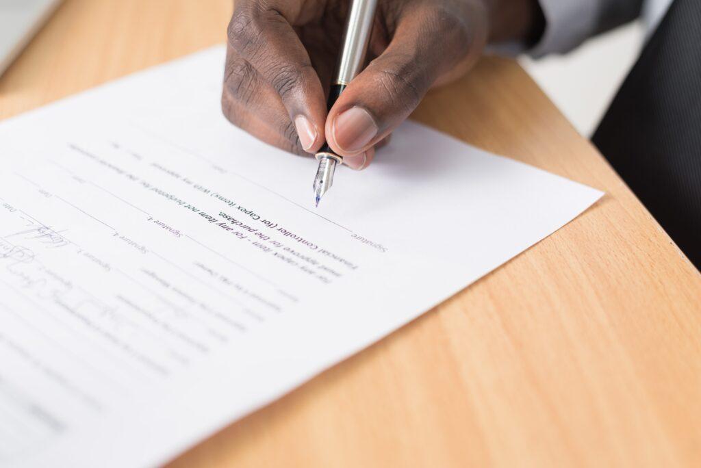 signature d'un deal d'un client